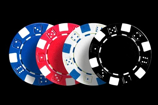 How is Baccarat and Mini-Baccarat played?